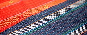 石垣島的傳統織品棉狹的新風貌,以紙膠帶呈現。 拍攝/楊鎮宇